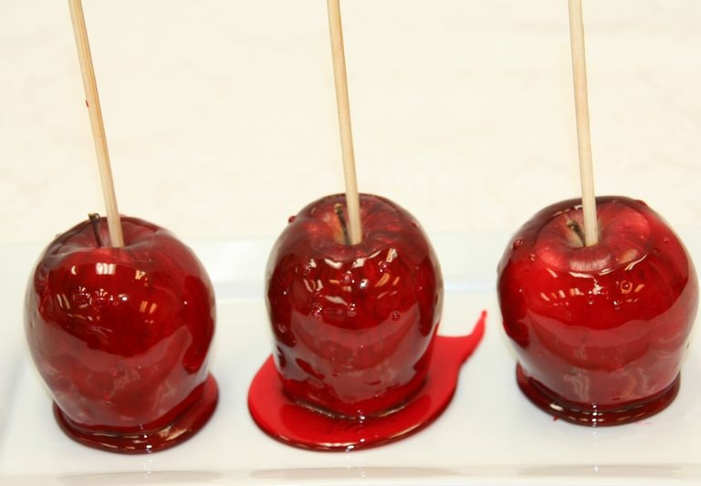 Carnival Candied Apples 006.JPG