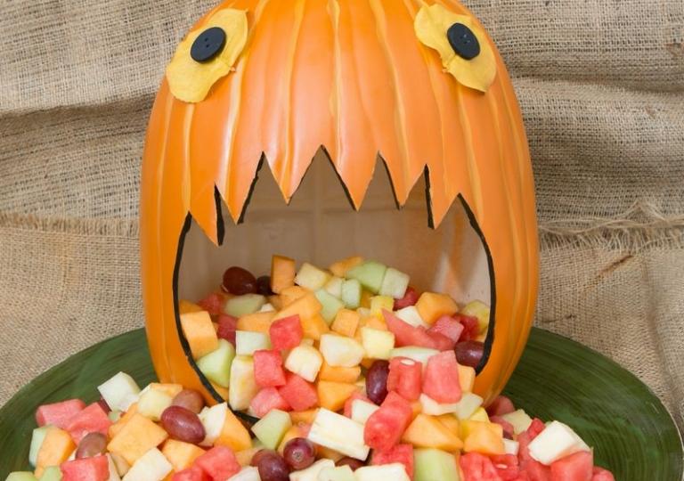 Pumpkin Spewing Fruit