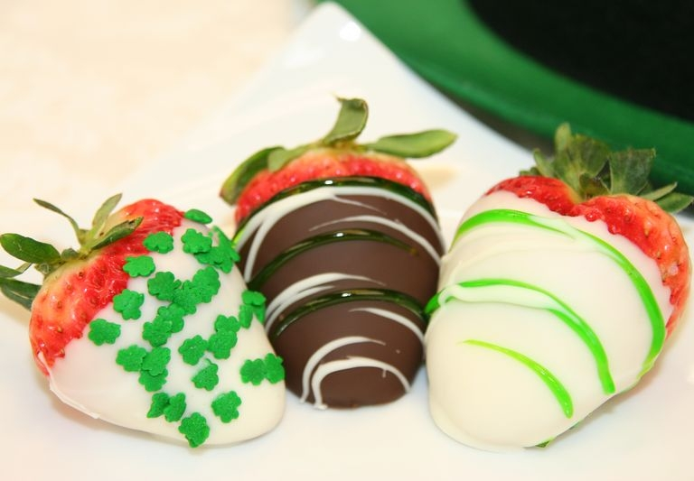 St. PAtricks Day Strawberries